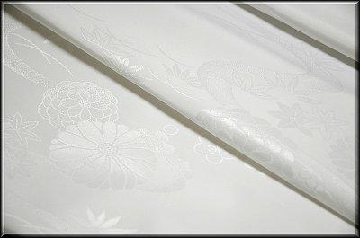 画像2: ■洗える着物 ポリエステル 菊梅に流水柄 白地 礼装用 長襦袢■