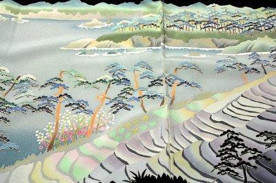 画像2: ■手縫い仕立て付き 本加賀友禅 「西尾翠峰」作 能登 大沢海岸 浜ちりめん 最高級 黒留袖■