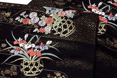 画像3: ■京都西陣織 「新装織物謹製」 黒地 煌びやかな金糸織 花籠 花模様 正絹 九寸 名古屋帯■