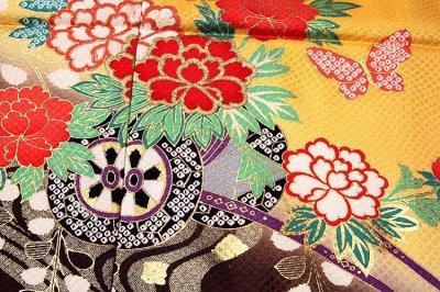 画像2: ■【訳あり】花車 ボカシ染め 金彩加工 蝶々柄 七五三 四ッ身 正絹 仮絵羽 未仕立て品 着物■