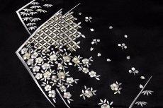 画像5: ■「贅沢な総刺繍」 黒色 柄全てが細やかな刺繍 七宝 菊梅笹 高級ちりめん生地使用 正絹 付下げ 訪問着■ (5)