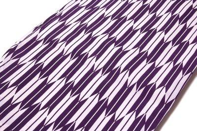 画像1: ■「新品:仕立て上がり:二尺袖」 卒業式 身長:158cm-168cmまでのお方に最適 矢羽根柄 葡萄色に白色系 洗える着物■