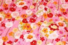 画像5: ■可愛らしいピンク色系 花模様 煌びやかな金彩加工 地模様 女児七才 四ッ身 七五三 着物■ (5)