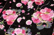 画像5: ■黒地 可愛らしい花柄 煌びやかな金彩加工 地模様 女児七才 四ッ身 七五三 着物■ (5)