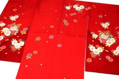 画像1: ■可愛らしい赤色系 花模様 絵羽柄 煌びやかな金彩加工 地模様入り 女児七才 四ッ身 七五三 着物■