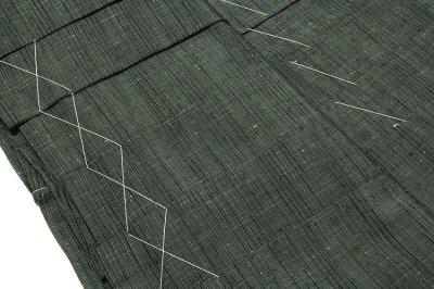 画像2: ■「仕立て上がり:特選 米沢織」 男物 味わい深い節糸 縞柄 正絹 米沢紬 馬乗袴■
