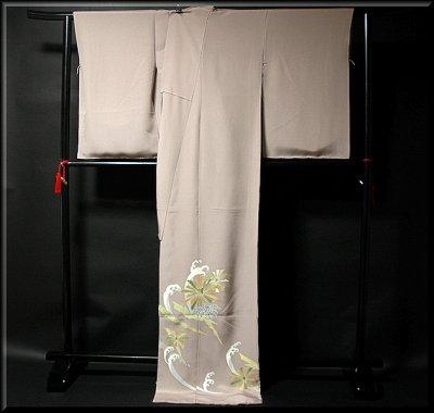 画像1: (訳ありアウトレット品)■松に波 金駒刺繍 金彩加工 色留袖■