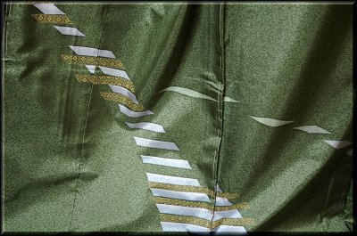 画像2: ■手縫い仕立て付き 本場大島紬 「薩摩染織謹製」 タタキ染め 訪問着■