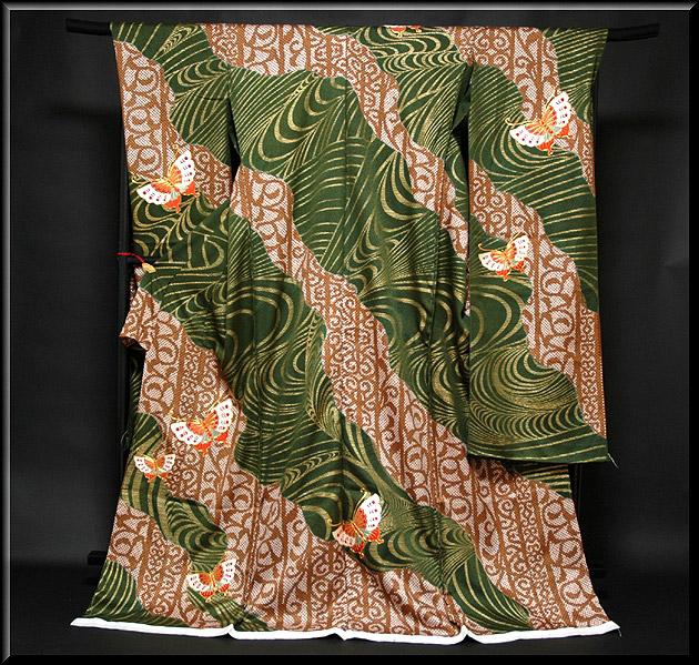 画像1: ■手縫い仕立て付き 見事な手刺繍の蝶々 絞り風柄 豪華 金彩加工 振袖■ (1)