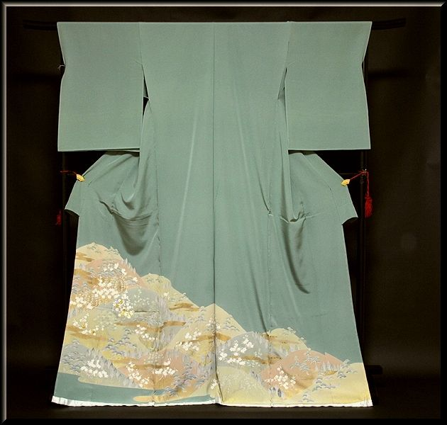 画像1: ■手縫いお仕立て付き 松竹梅 金駒刺繍入り 浜ちりめん 色留袖■ (1)