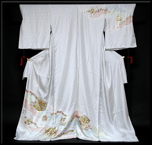 画像1: ■手縫い仕立て付き 紋意匠ちりめん 金彩加工 訪問着■ (1)